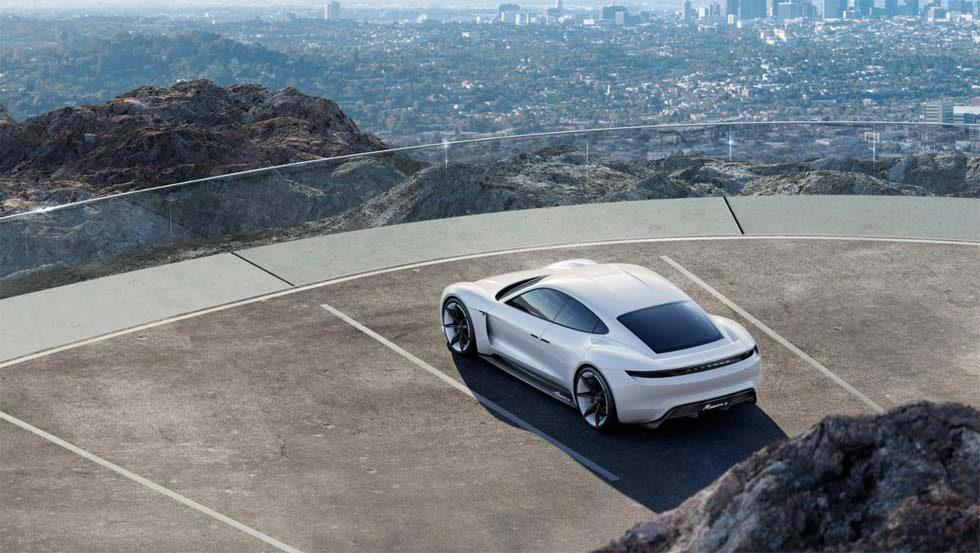 Porsche Taycan specs include 600hp and 500km driving range