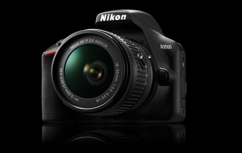 Nikon D3500 is a DSLR designed for smartphone graduates