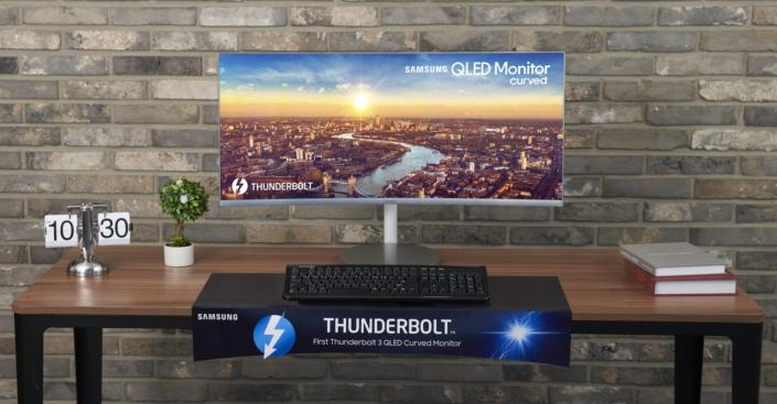 Samsung's newest QLED curved monitor serves up Thunderbolt 3