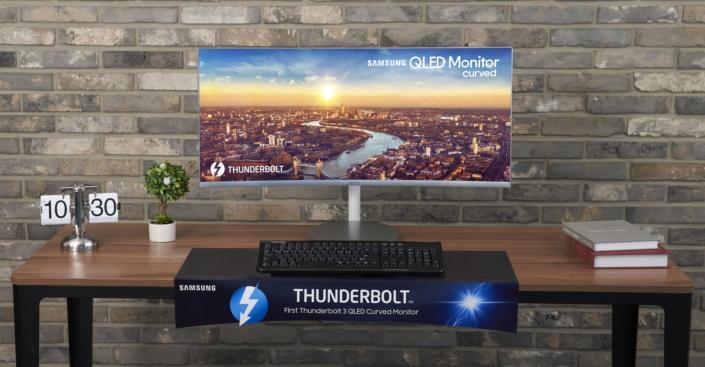 Samsung's newest QLED curved monitor serves up Thunderbolt 3