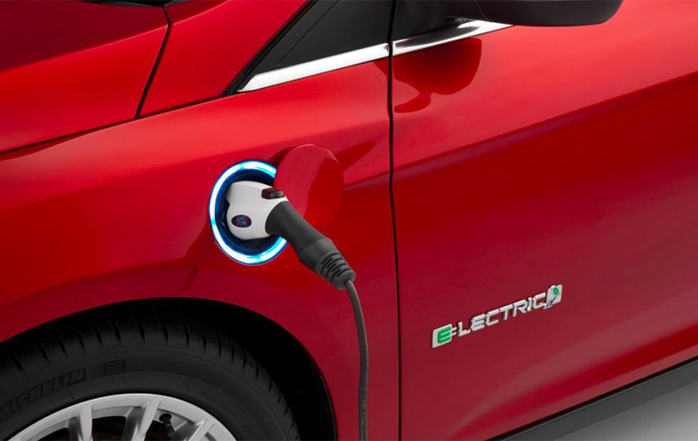 Ford recalls 50,000 120-volt convenience charge cords over fire risk