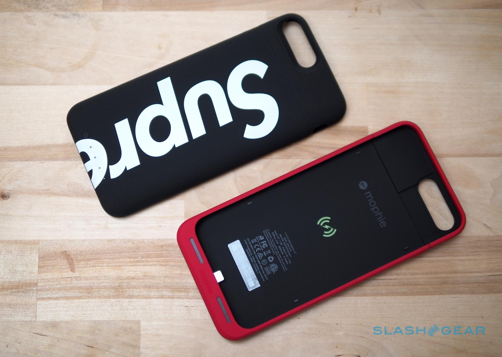 best sneakers fba0d 0b0e2 Supreme Mophie Juice Pack Air drops for your iPhone - SlashGear