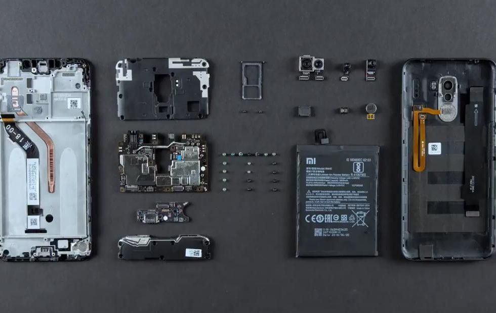 POCO F1 teardown will make you wish other phones are like it - SlashGear