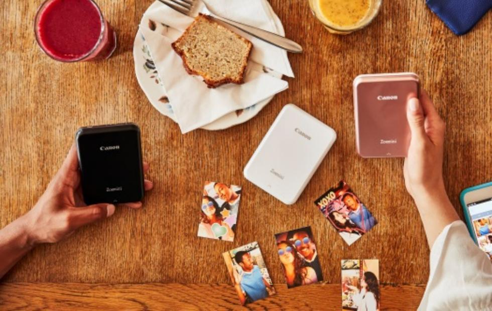 Canon Zoemini photo printer is smaller than your smartphone