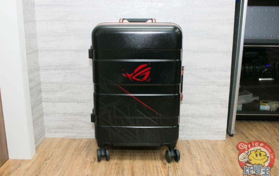 Asus Rog Phone And All Accessories Come In A Suitcase Slashgear