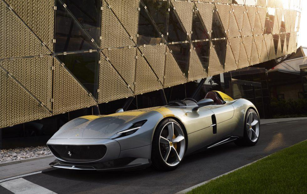 Ferrari Monza SP1 and SP2 pair stunning retro style with 809hp heart
