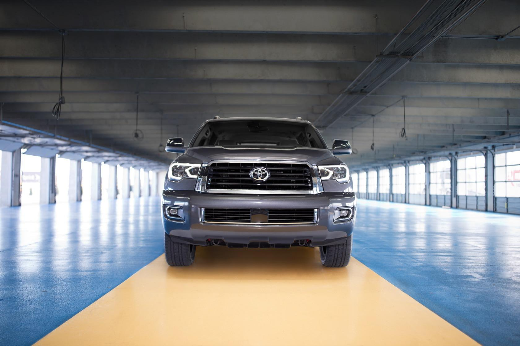 2018 Toyota Sequoia vs 2018 Chevrolet Tahoe vs 2018 Ford Expedition