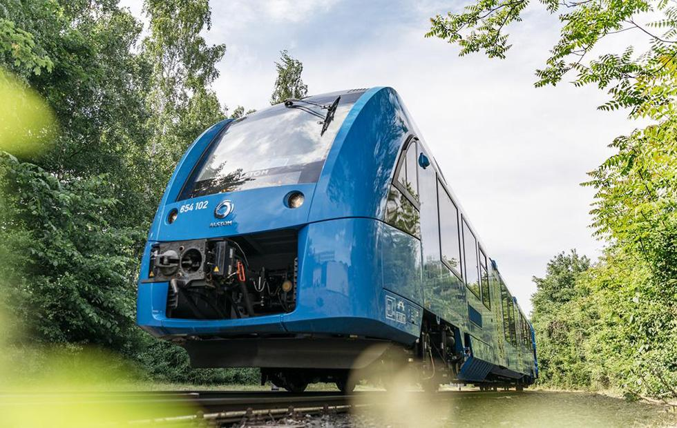 World's first hydrogen fuel cell trains enter service in Germany