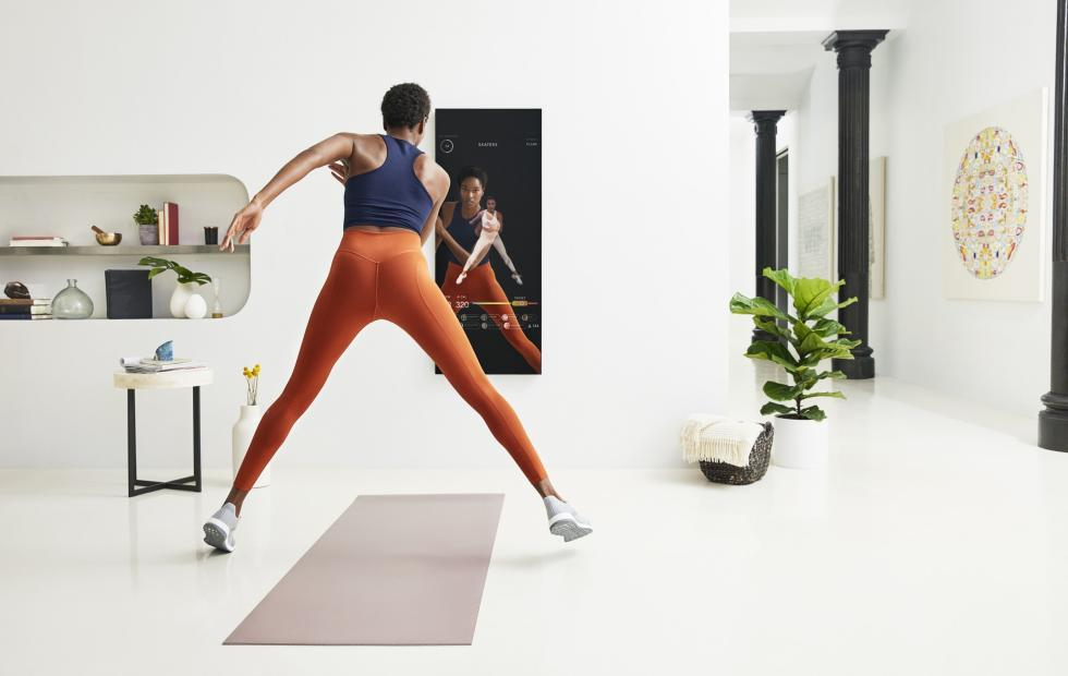 MIRROR brings a gym to your home through a looking glass