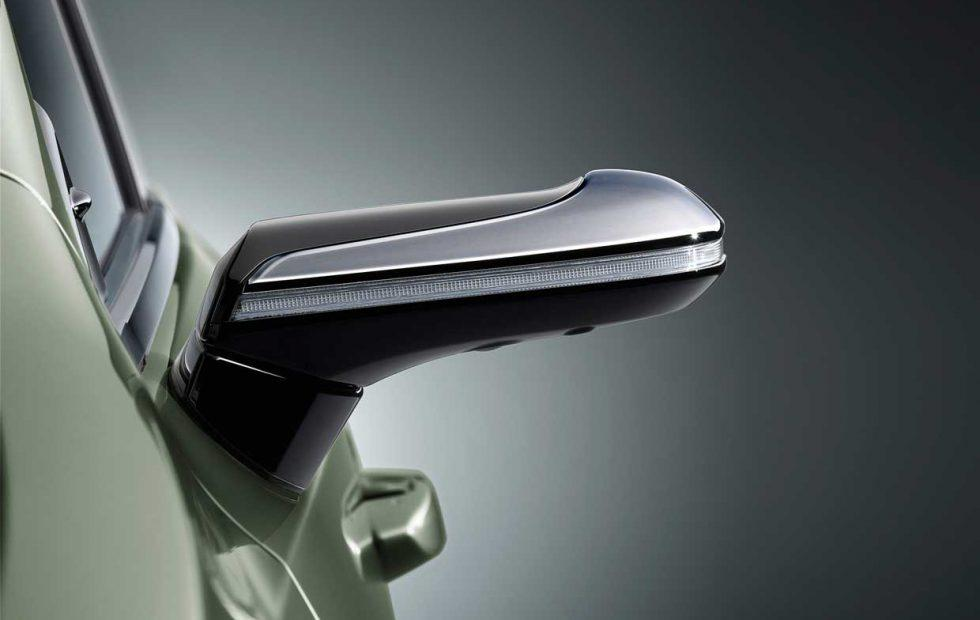 Lexus' New ES ditches side mirrors for video cameras