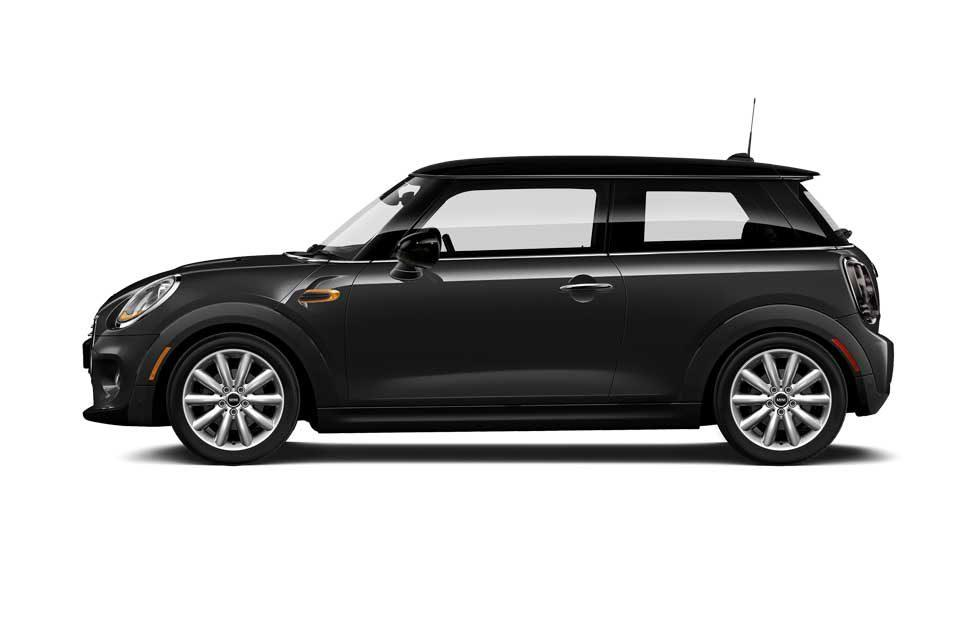 2019 Mini Oxford Edition aims at recent grads and students for under $20,000