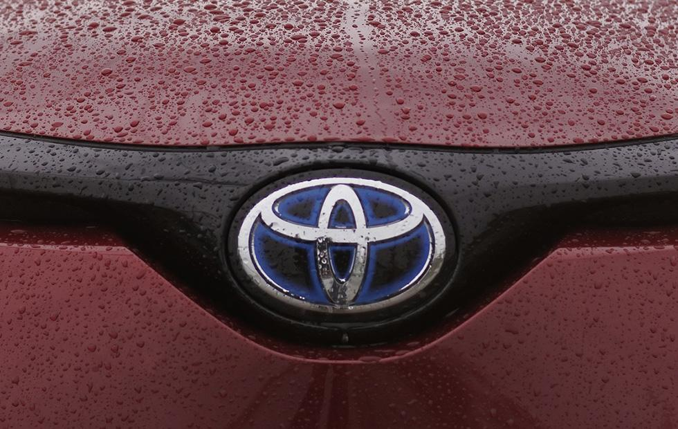Toyota recalls 192,000 Prius cars in the US over fire risk