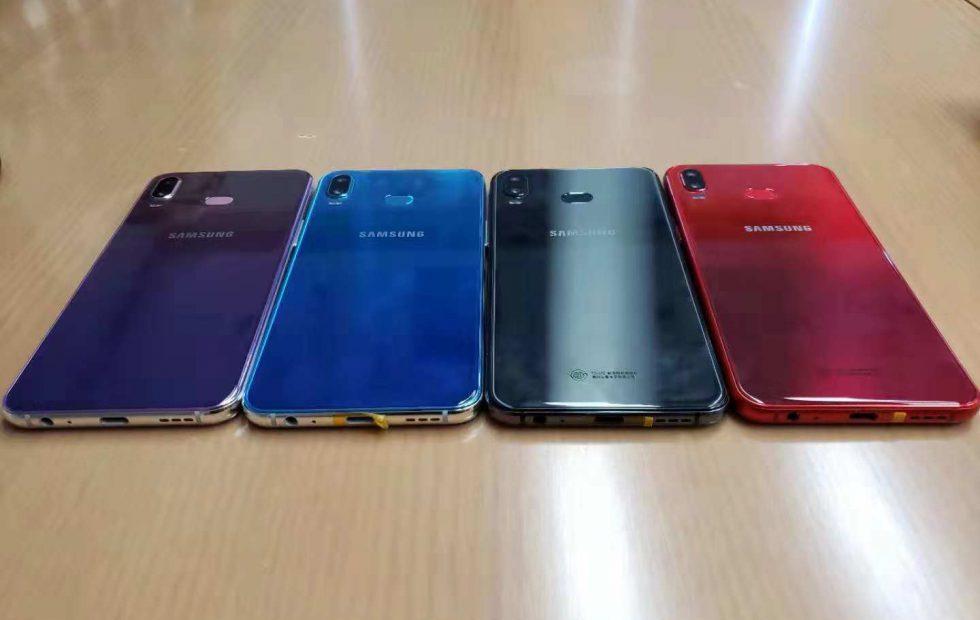 Samsung Galaxy Phoenix looks ready to battle iPhone XR