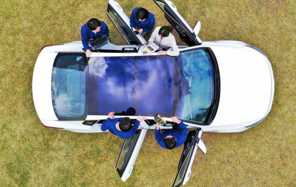 Hyundai and Kia reveal solar roof cars