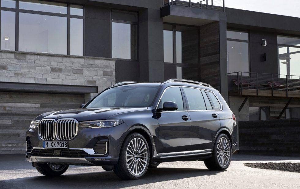 The 2019 Bmw X7 Is Big Brash And Full Of The Latest Tech Slashgear