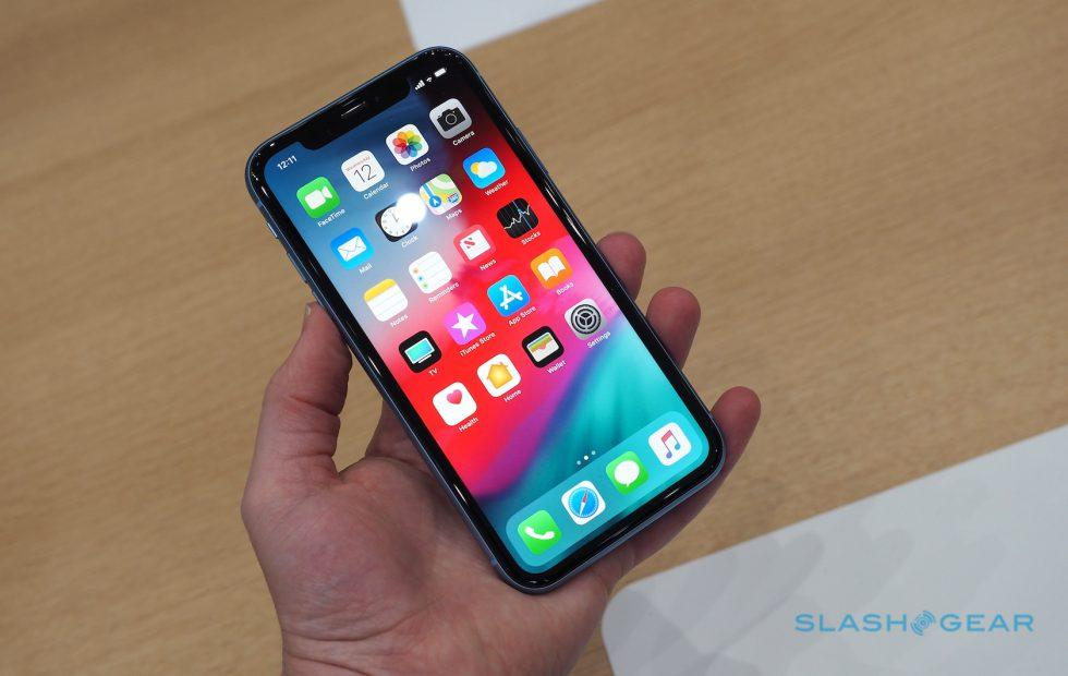 iPhone XS and XR selfie problems addressed in iOS 12.1