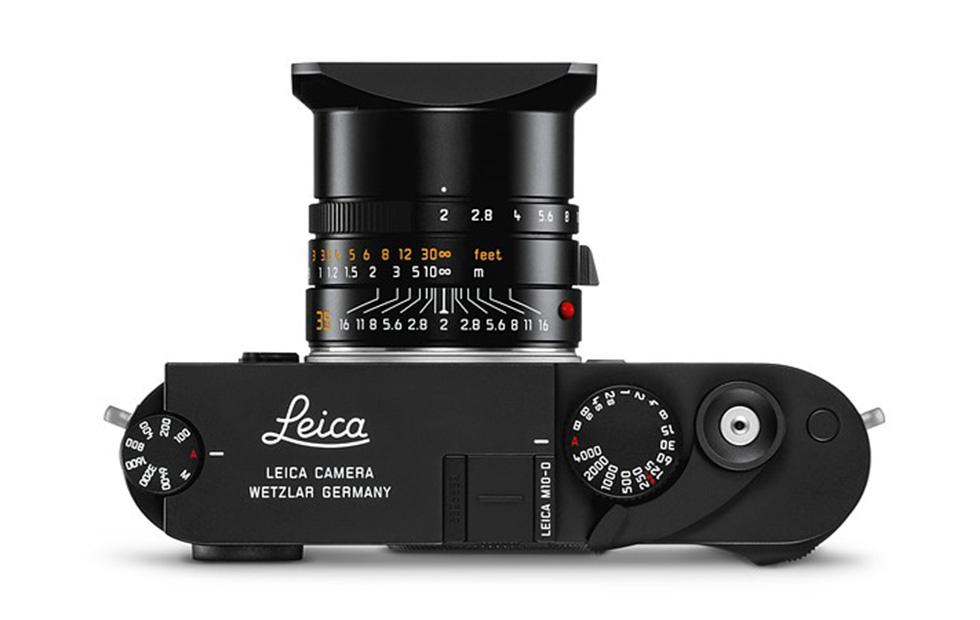 Leica M10-D digital camera nixes LCD for analog experience