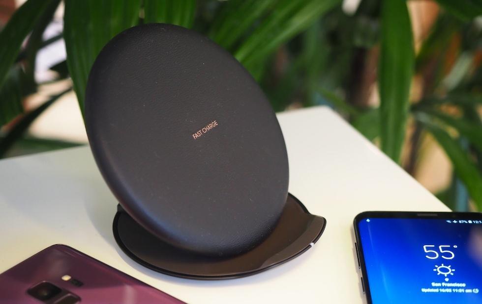 Samsung mid-range phones to get wireless charging too