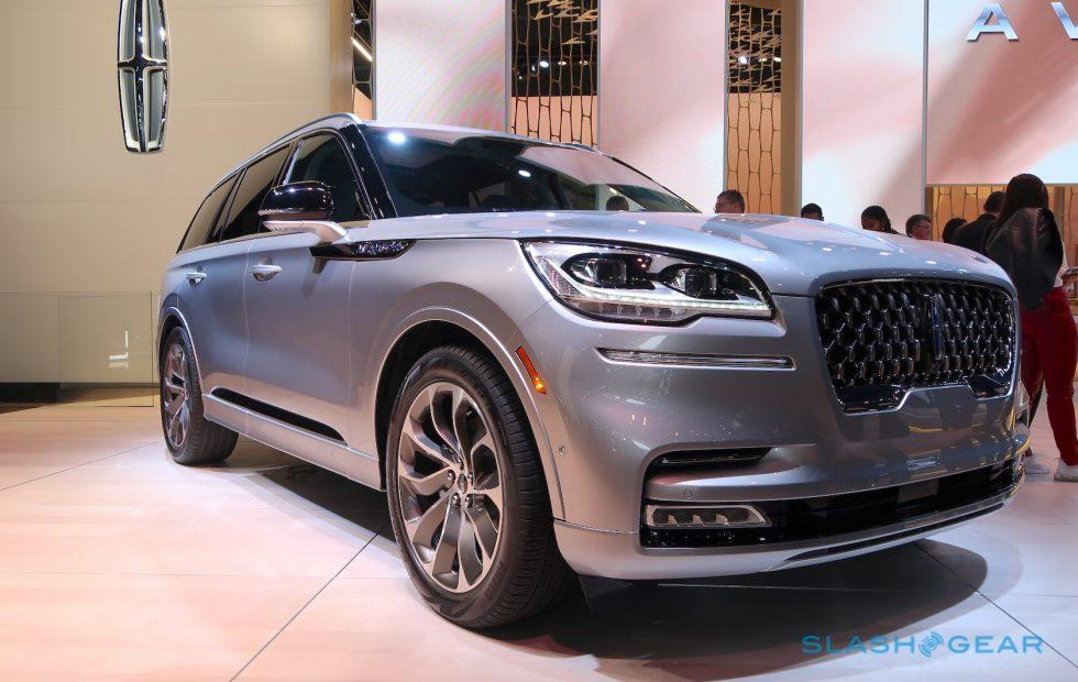 The 2020 Lincoln Aviator pulls out the stops to sweep up in midsize SUVs