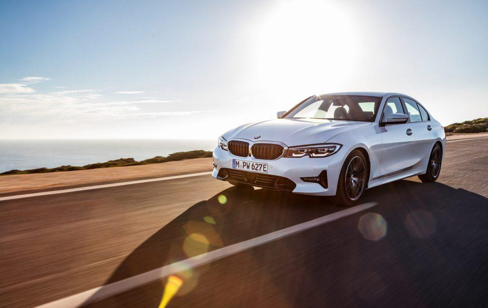 2019 Bmw 330e Hybrid Boosts Range Performance And Tech Slashgear