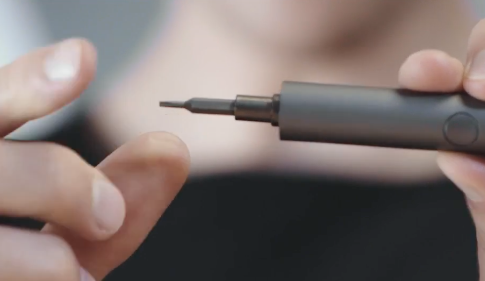 Wowstick Mini is a 62-in-1 pen-sized power screwdriver