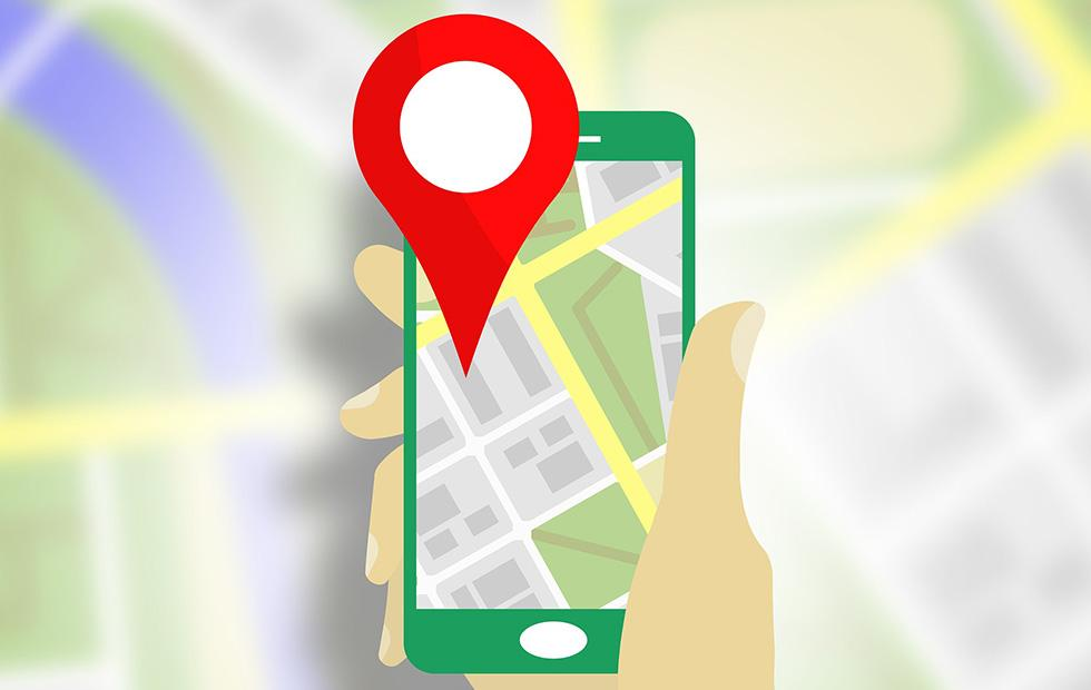Google Maps speed trap warnings and crash reports appear in test