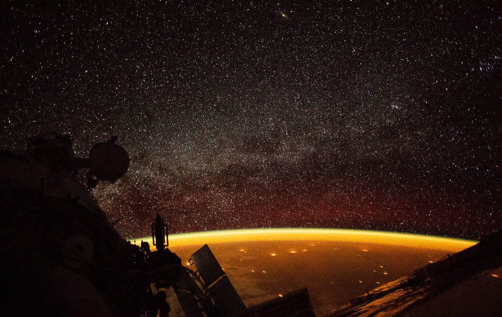 Incredible Earth airglow photo shows the beauty of science