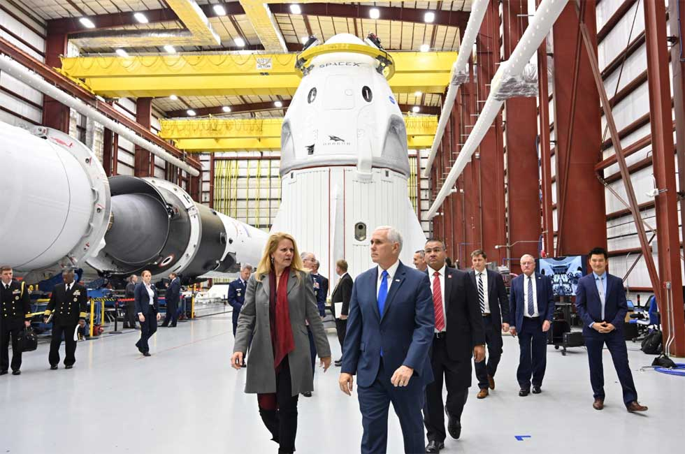 SpaceX's first completed Crew Dragon spacecraft gets a vice-presidential visit