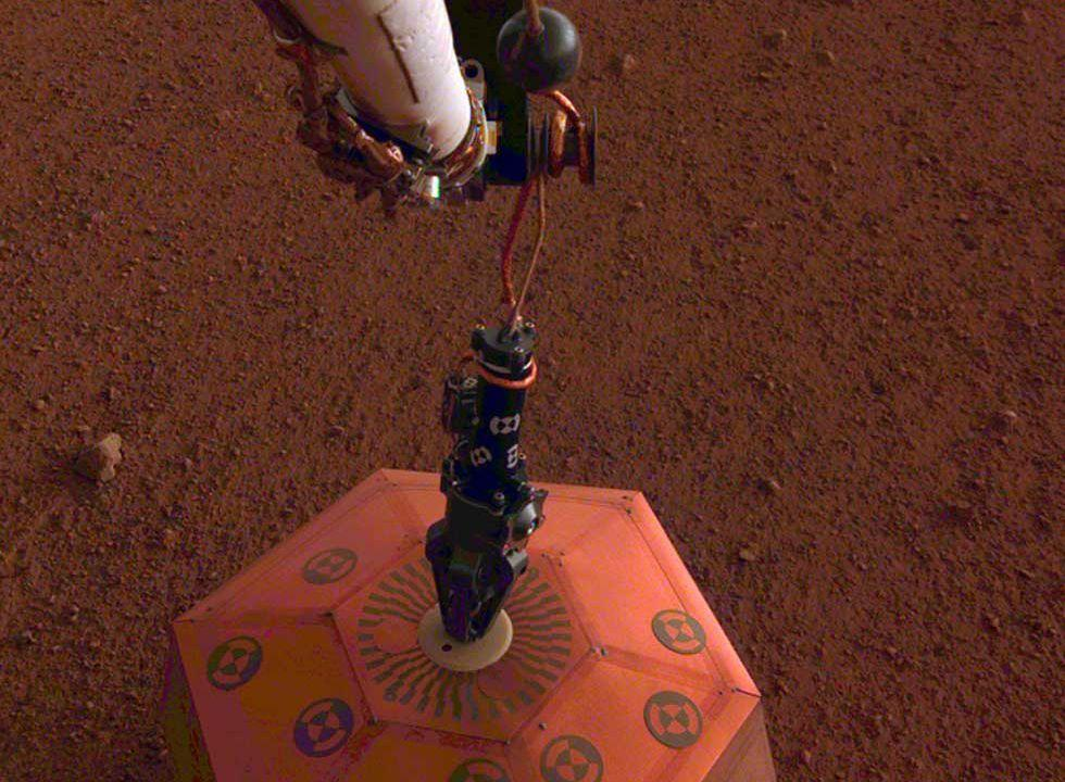 InSight successfully deploys seismometer on Mars