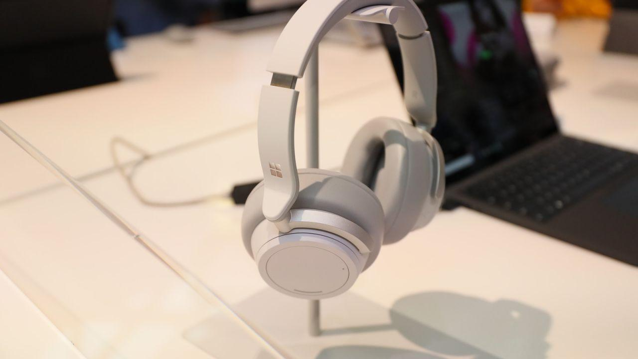 This great Microsoft Surface Headphones deal won't last long