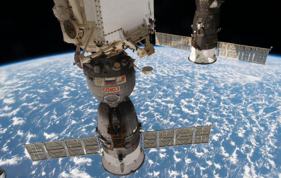 Russian cosmonauts hack samples from around Soyuz spacecraft hole