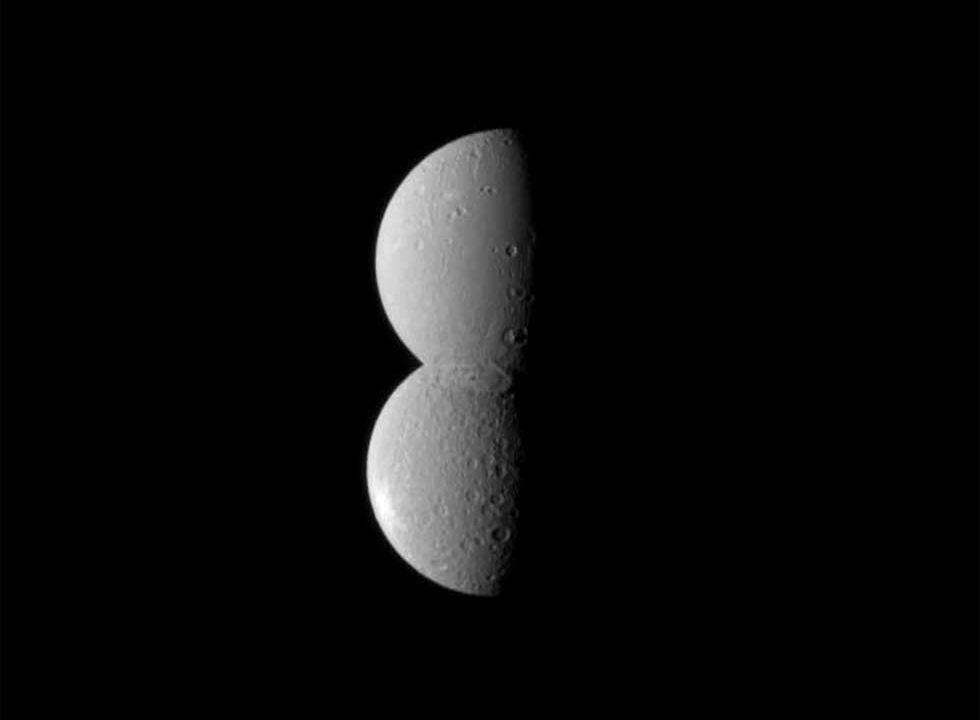 Saturn's moons Dione and Rhea align to create space snowman for the holidays