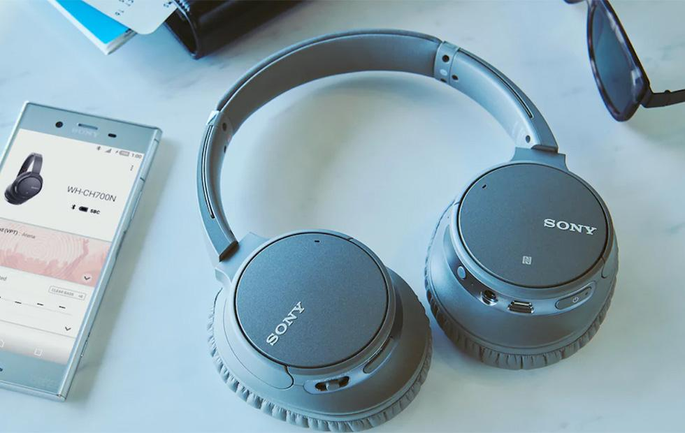 Sony WH-CH700N wireless headphones have AI noise-cancelling tech