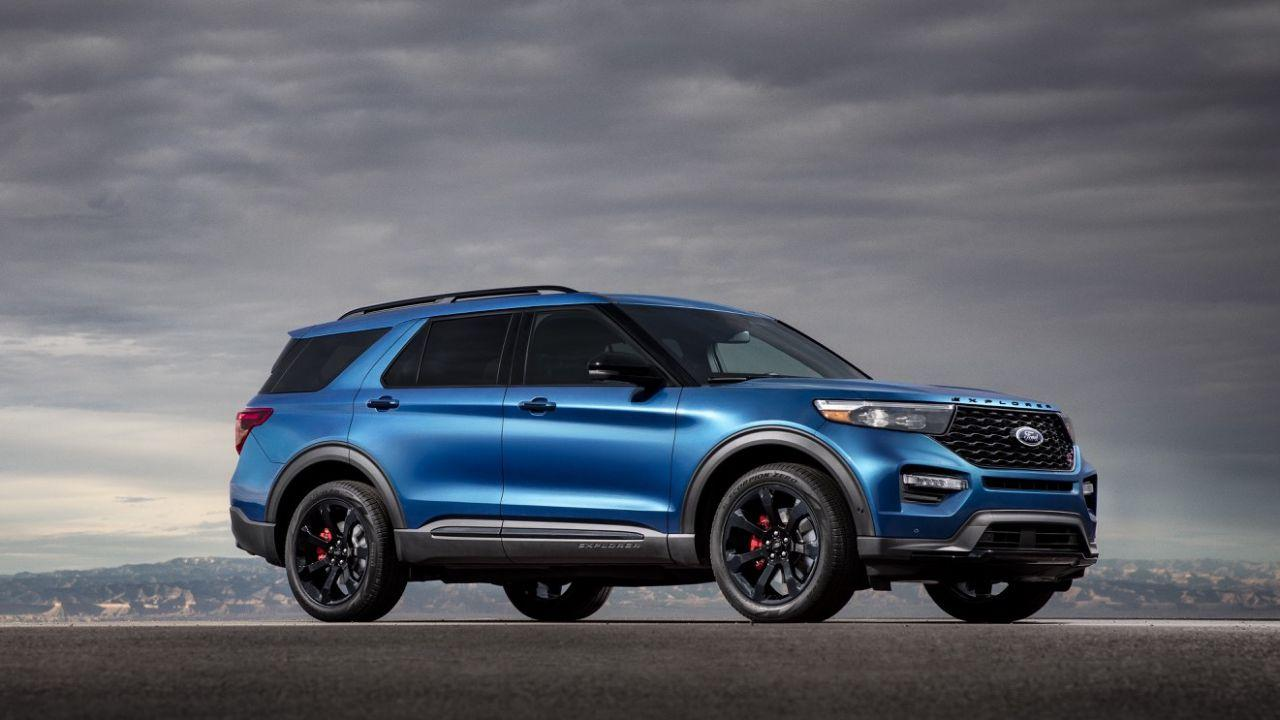 2020 Ford Explorer ST and Explorer Hybrid bring power and electric to Detroit