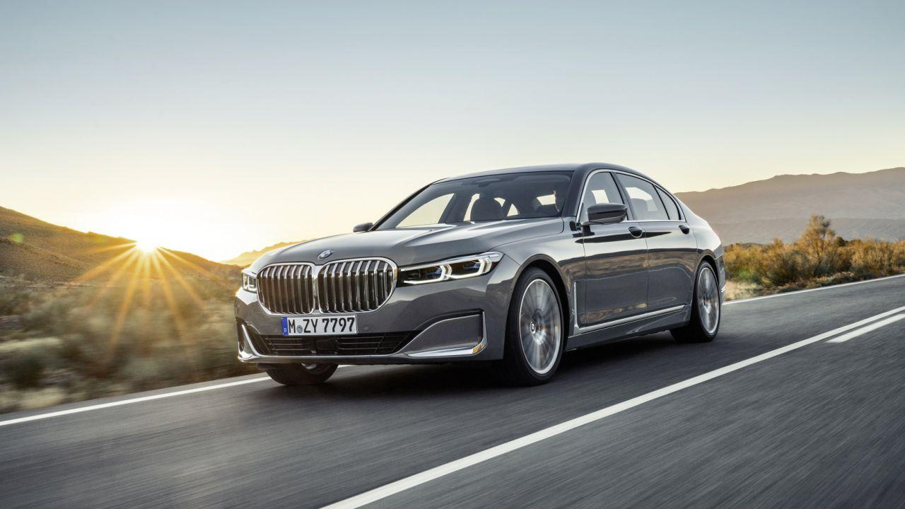 2020 Bmw 7 Series Gets A Huge Grille Tech And Hybrid Update Slashgear