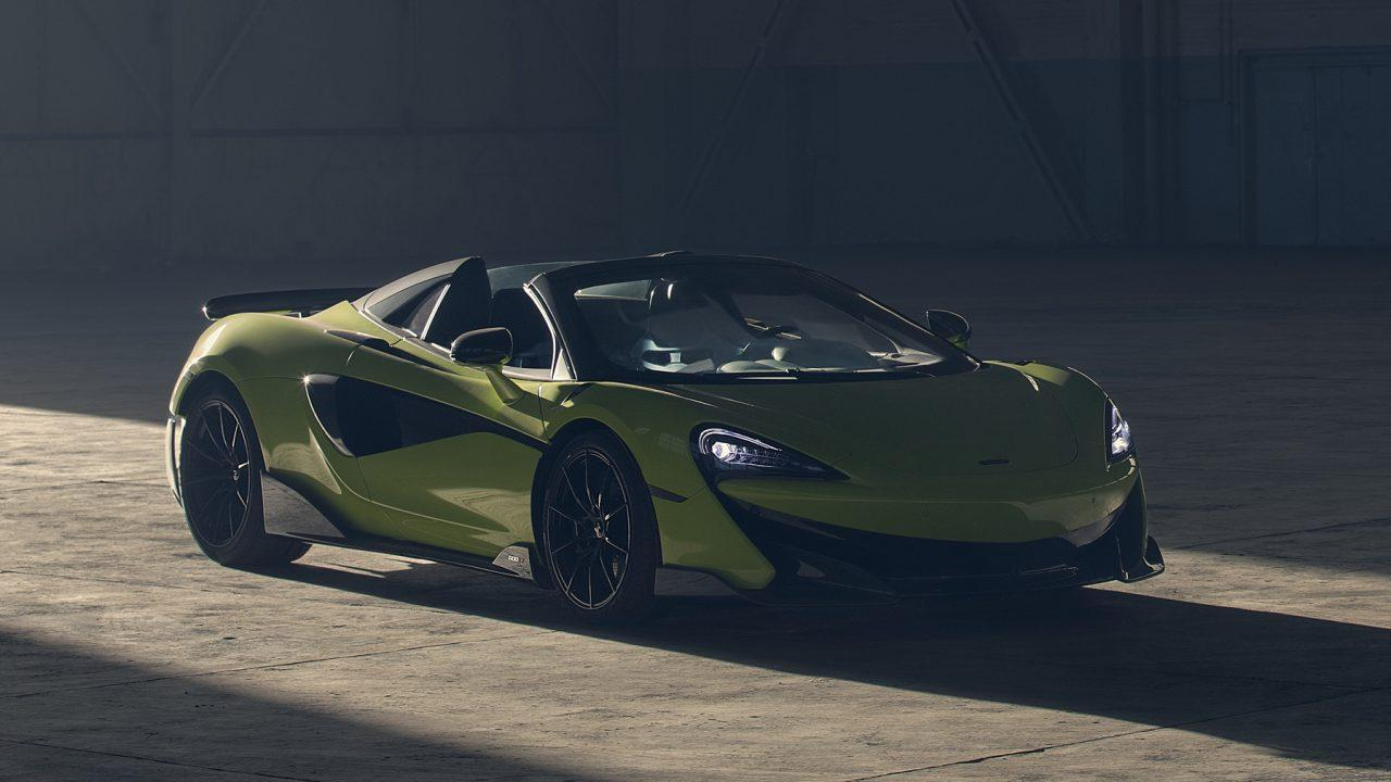 McLaren 600LT Spider opens the roof to hear the Longtail sing