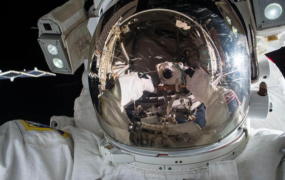 Astronaut accidentally dials 911 from International Space Station
