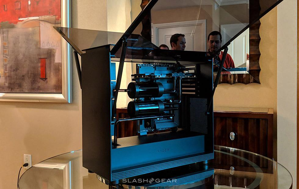 Razer Tomahawk Elite hands-on: PC gaming, gull-wing doors