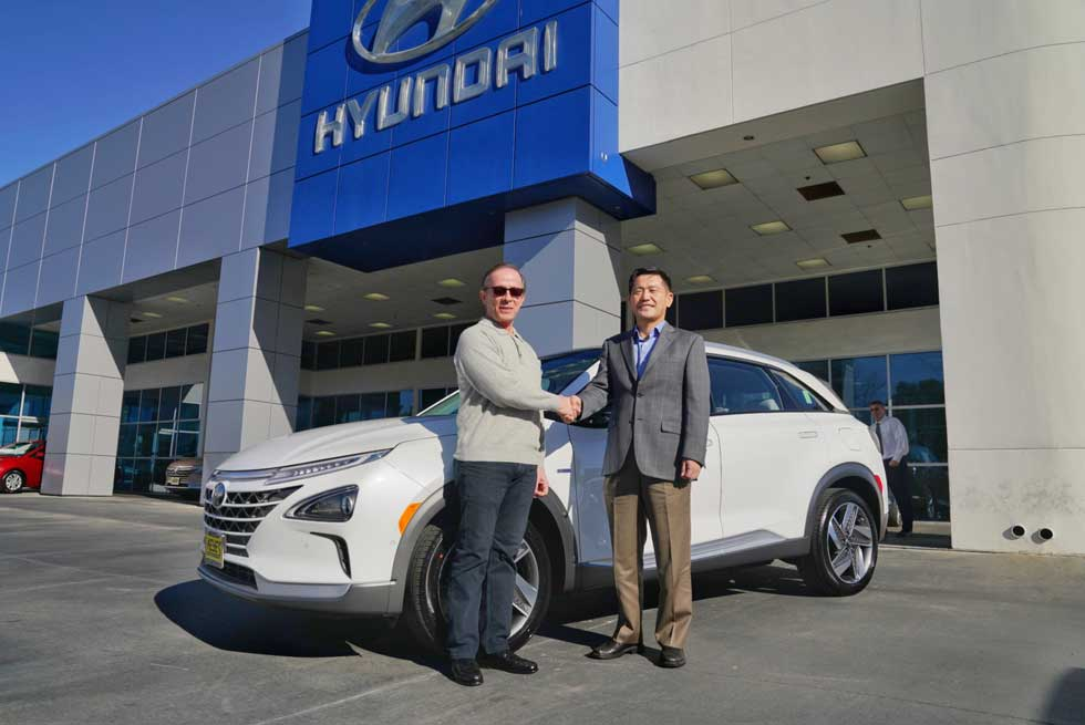 First Hyundai NEXO fuel cell SUV  was delivered to a US buyer