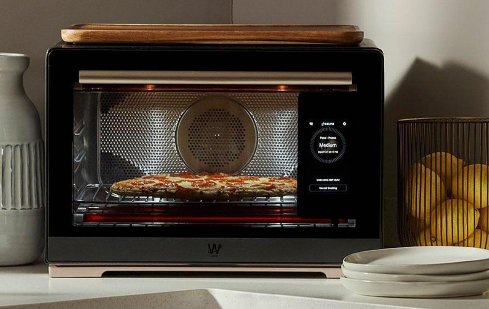 Whirlpool Smart Countertop Oven can identify the food it cooks