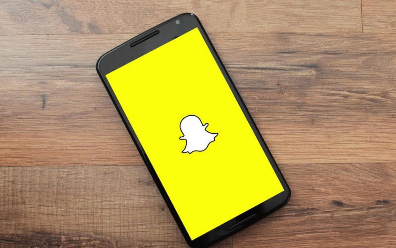 Snapchat Our Story Could Become Less Ephemeral Less Anonymous Slashgear