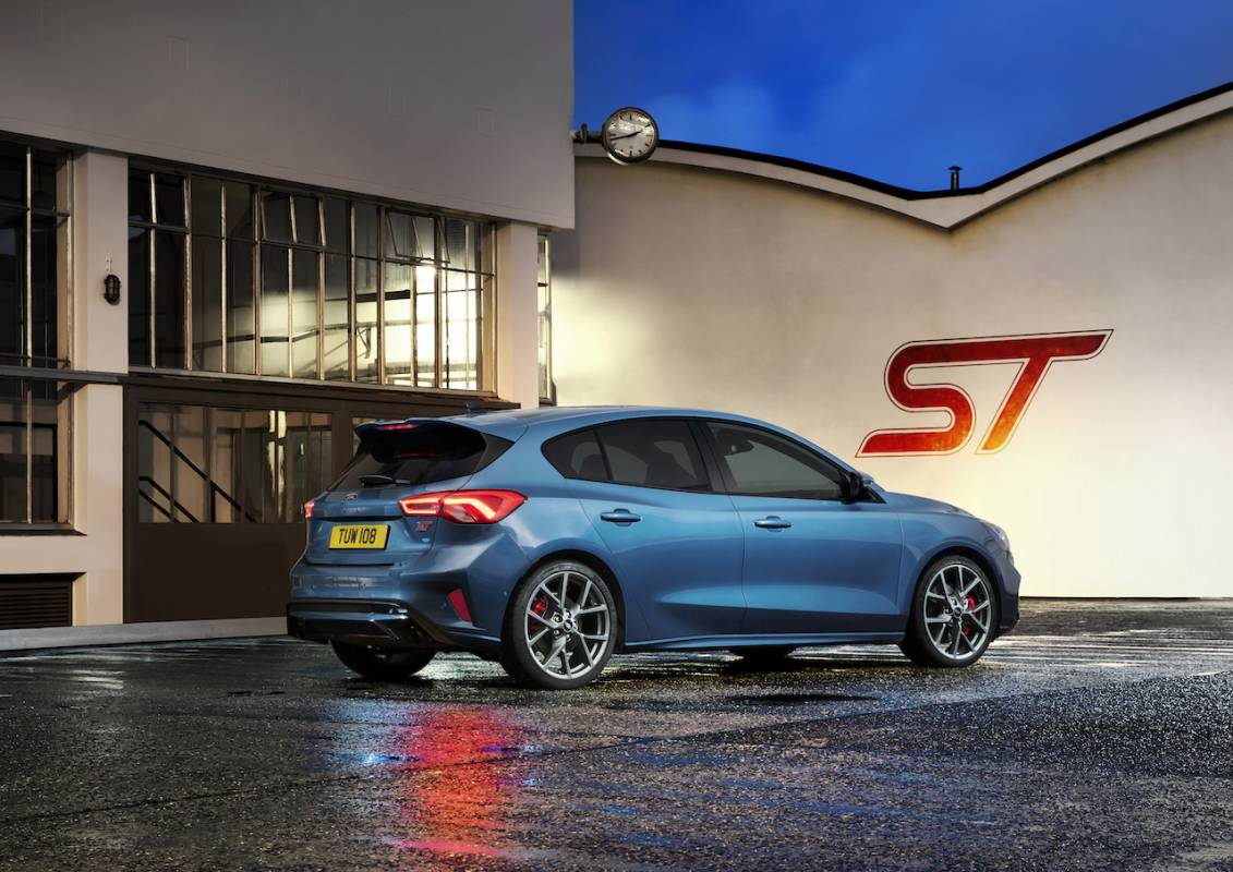 2019 Ford Focus St Taps Civic Type R Shaming Torque Slashgear