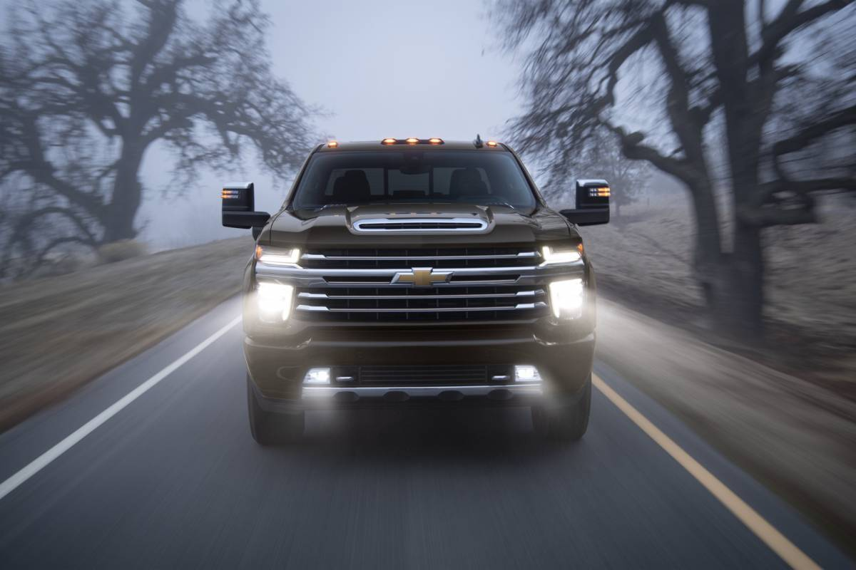 2020 Chevrolet Silverado Hd Is A 35 500 Pound Tow Monster