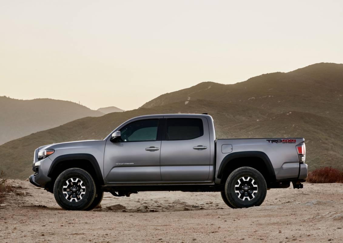 2020 Toyota Tacoma Gets Tech Upgrade Plus Army Green Trd Pro Slashgear