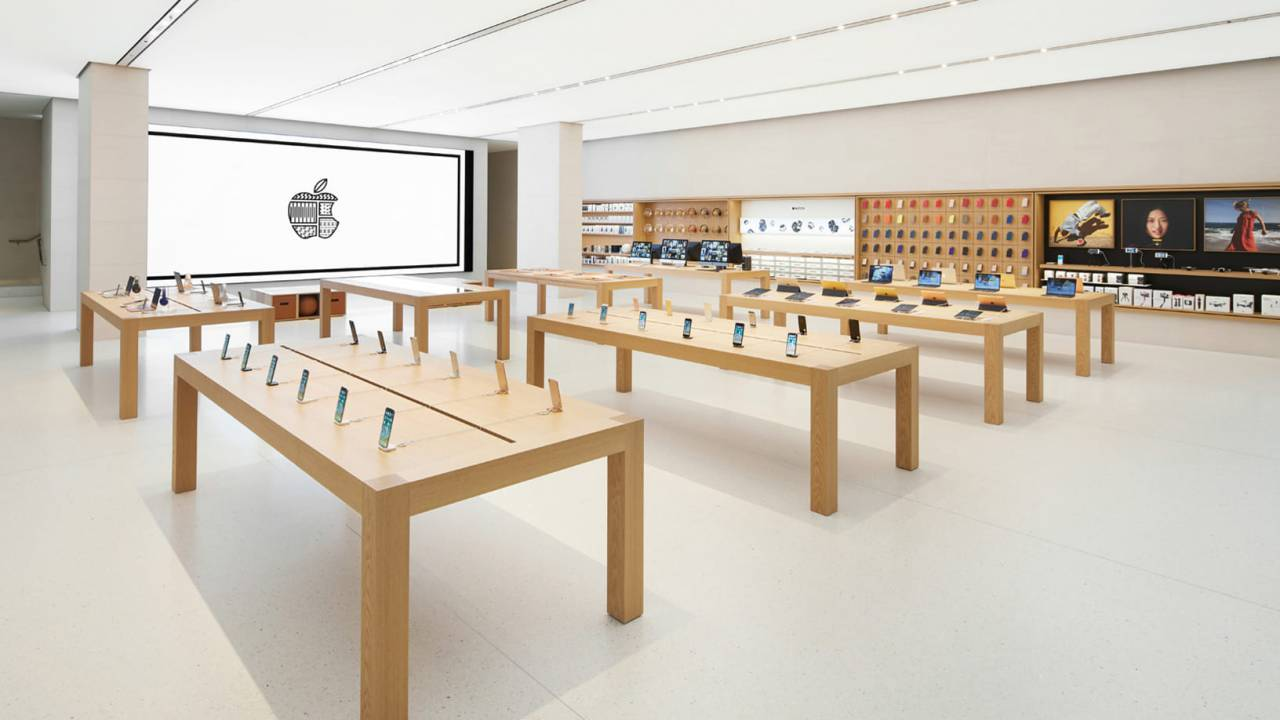 Apple Retail chief Angela Ahrendts makes surprise exit
