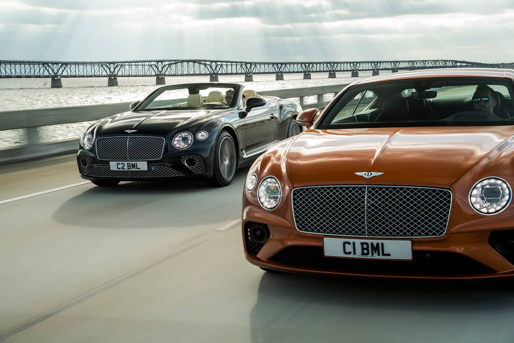 Bentley Continental Gt V8 Drops 542hp Into Sleek Coupe And Convertible Slashgear