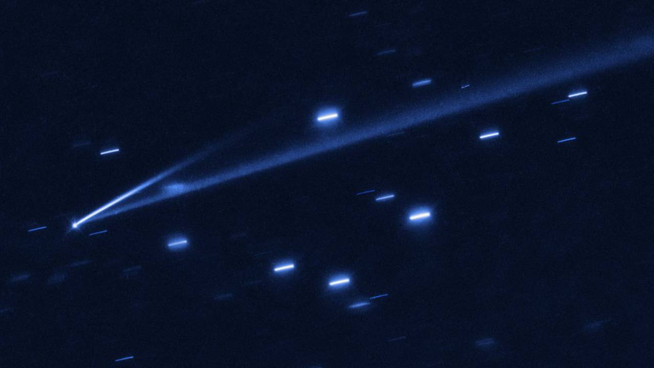 Hubble captures rare image of an active asteroid disintegrating