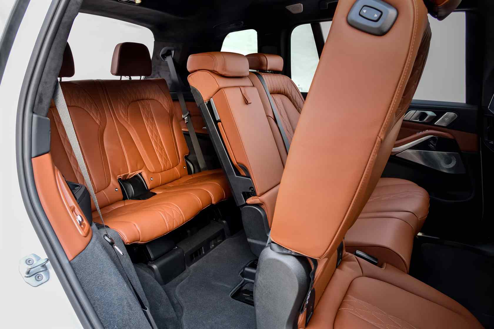 2019 Bmw X7 First Drive Unexpected Agility In A 7 Seat
