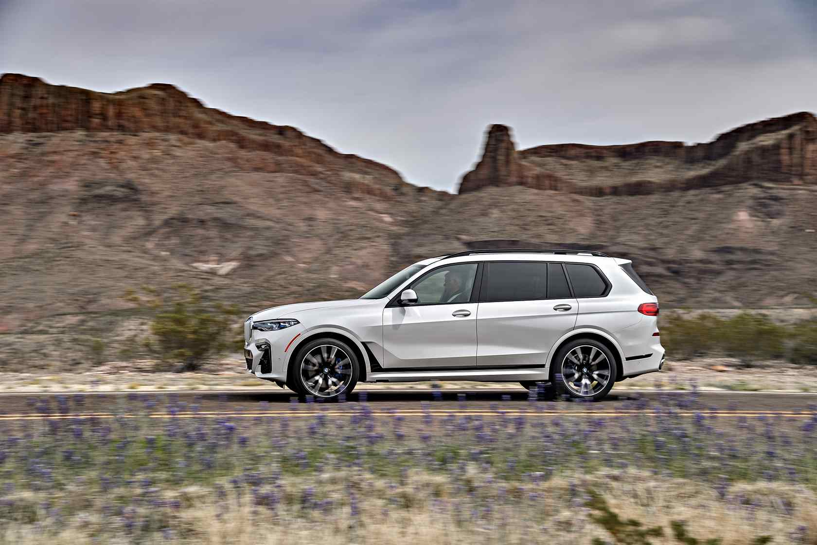 2019 Bmw X7 First Drive Unexpected Agility In A 7 Seat Luxury Suv