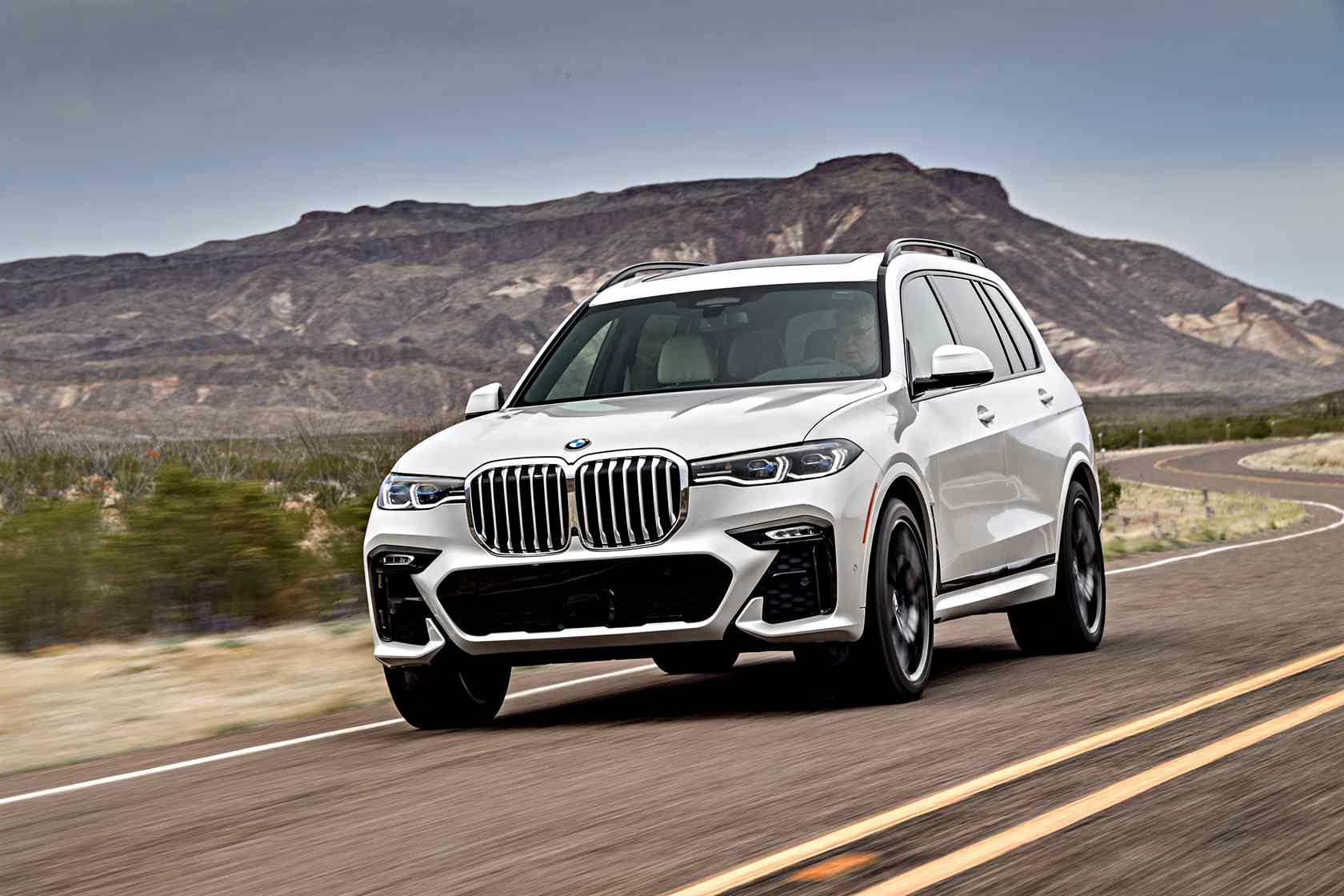 2019 BMW X7 First Drive: Unexpected agility in a 7-seat